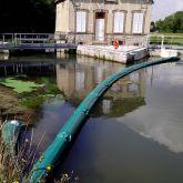 Barrage flottant anti déchets végétaux